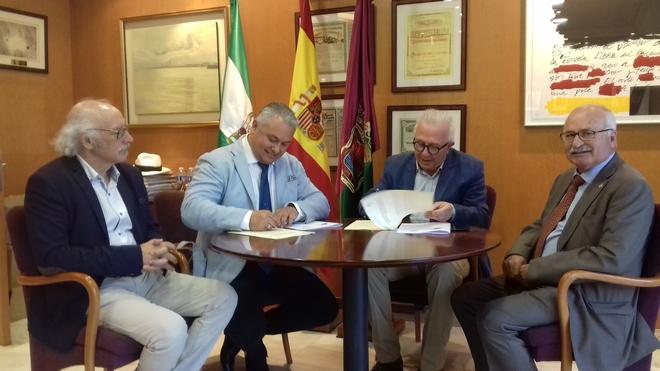 Firma del convenio entre la UNIA y el Consejo Andaluz de Colegios de Ingenieros Técnicos Industriales