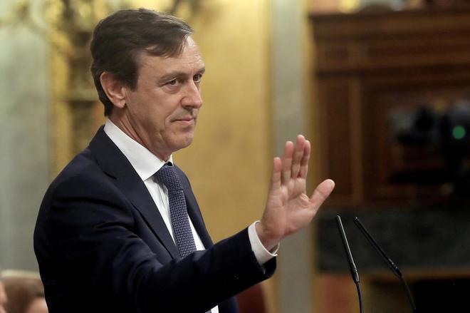 Rafael Hernando, portavoz del PP, durante la moción de censura contra Mariano Rajoy.