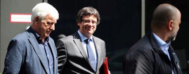 Puigdemont exige a Pedro Sánchez negociar la autodeterminación de Cataluña