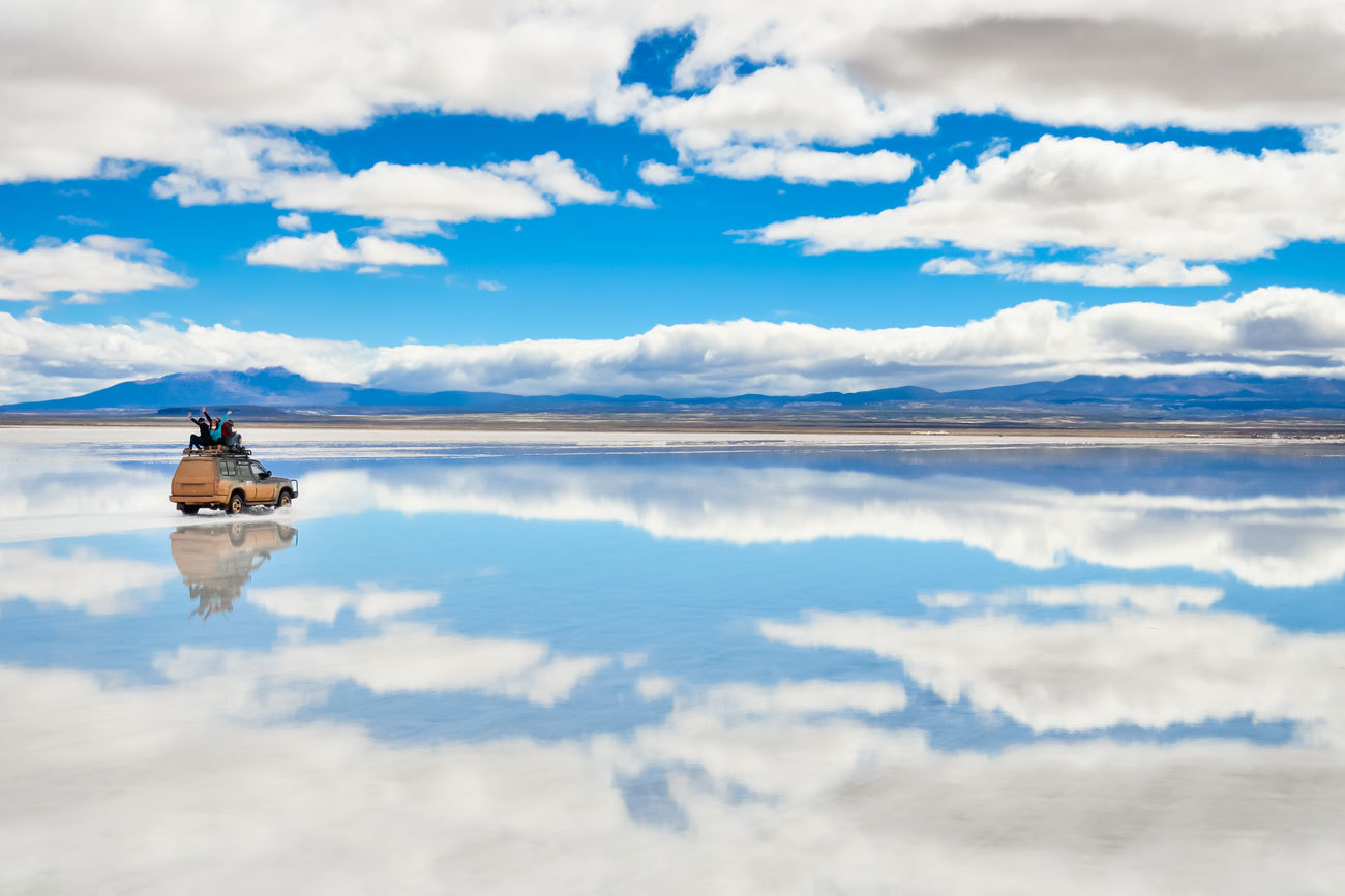 El Salar de Uyuni es el desierto de sal más largo del planeta. Su...