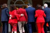 Los ministros y ministras del Gobierno de Pedro Sánchez entran en...