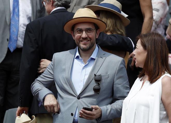 El Ministro de Cultura y Deportes, Màxim Huerta, en la grada de la central de Roland Garros.