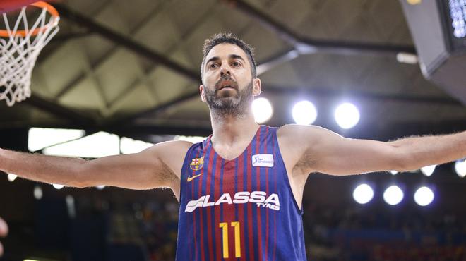 Navarro, durante el cuarto partido contra el Baskonia, en el Palau.