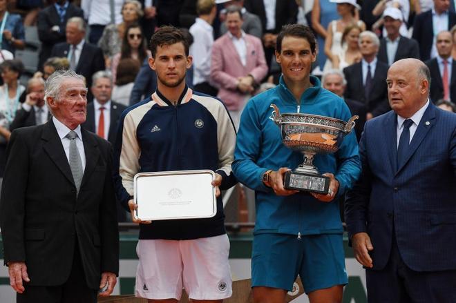 Nadal, junto a Thiem, en la entrega de trofeos de Roland Garros.