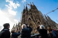 Turistas en la Sagrada Familia, Barcelona.