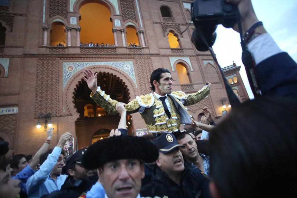 Talavante, por la Puerta Grande de Madrid