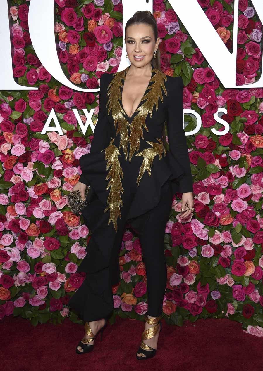 El look de la actriz y cantante mexicana no puede ser más...