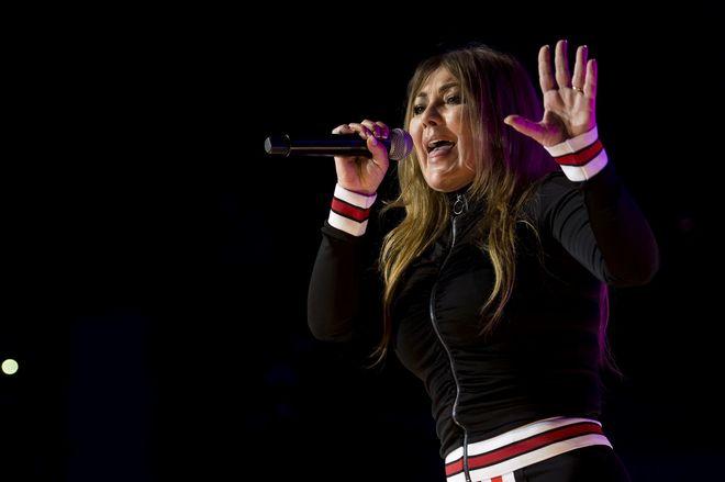 Amaia Montero durante el concierto de 'La noche de Cadena 100' en Madrid.