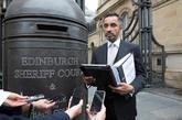 Aamer Anwar, abogado de Clara Ponsatí, ante el Tribunal del Sheriff...