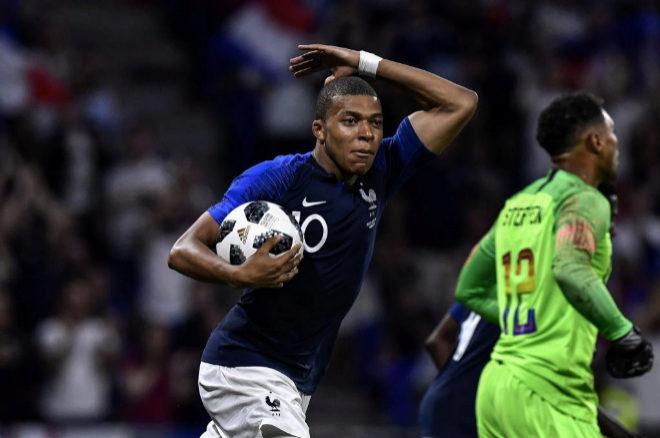 El futbolista francés Kylian MBappe es uno de los más jóvenes del...