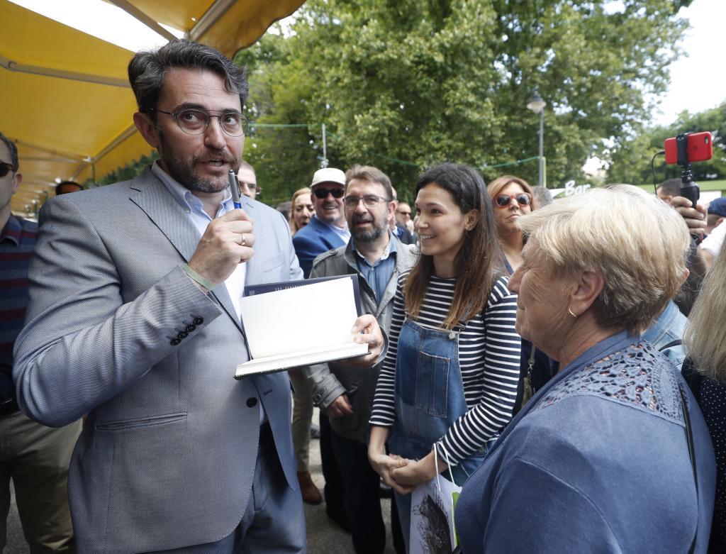 Màxim Huerta descarta dimitir como ministro de Cultura tras dar explicaciones a Pedro Sánchez sobre su fraude