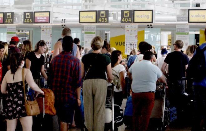 Caos aéreo en el aeropuerto de El Prat por las cancelaciones de hace dos años.