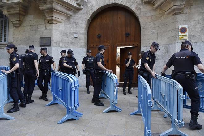 La Audiencia de Palma, a donde Urdangarin ha acudido a recoger su orden de ingreso en prisión.