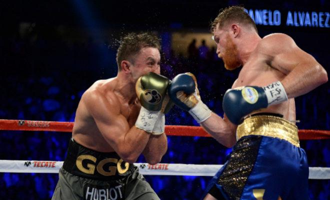 Gennady Golovkin (izda) y Canelo Álvarez, en la pelea del pasado 16 de septiembre en el T-Mobile Arena de Las Vegas.
