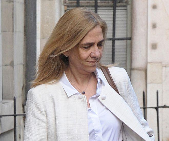 La Infanta Cristina saliendo de su casa de Ginebra el día de la sentencia