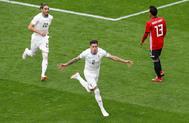 José María Giménez celebra el gol de la victoria de Uruguay ante Egipto.