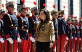 La ministra de Defensa, Margarita Robles, pasa revista en el Cuartel...
