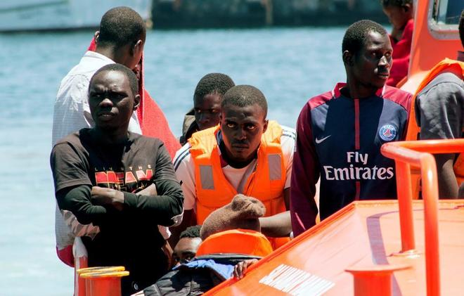 Inmigrantes rescatados por Salvamento Marítimo en aguas del Estrecho,...