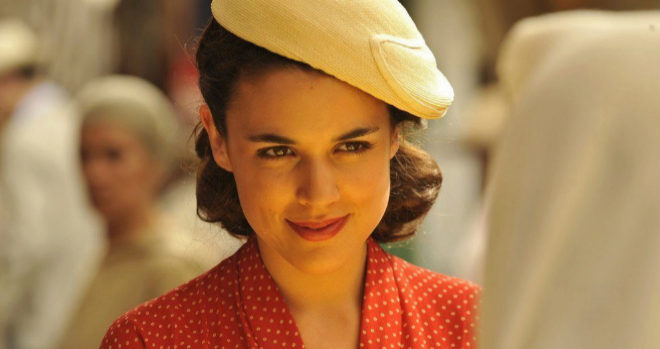 Adriana Ugarte, en 'El tiempo ente costuras'.