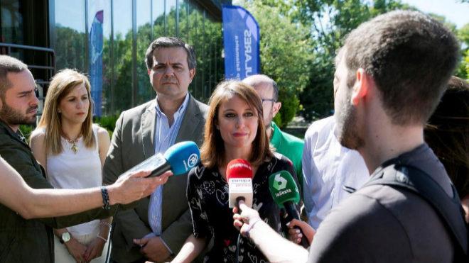 Andrea Levy, en declaraciones a los medios en un acto del PP en Soto del Real (Madrid).