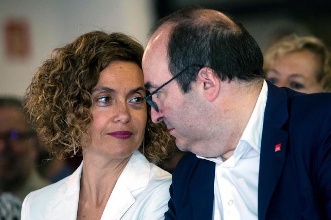 Meritxell Batet y Miguel Iceta, en unas jornadas del PSC celebradas el...
