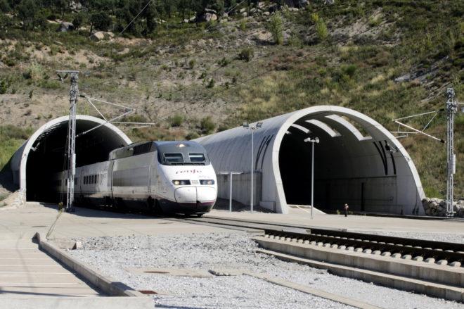CONSTRUCCIÓN EN ESPAÑA JUNIO'18 cover image