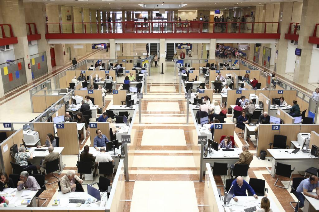 Imagen de la oficina de la Agencia Tributaria situada en la calle Guzmán el Bueno de Madrid.