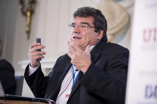 Pedro Sánchez plantea nuevos impuestos para pagar las pensionesTorres (BBVA)
