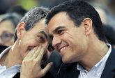 Pedro Sánchez conversa con José Luis Rodríguez Zapatero en...