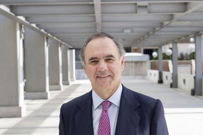 El abogado Luis de Carlos redescubre en `Alexander` (Crítica) al
