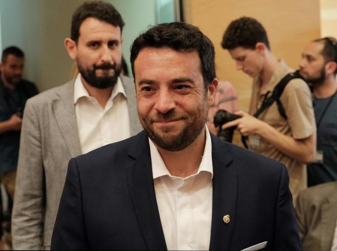PP y Cs dan la alcadía de Badalona al PSC tras una moción de censura