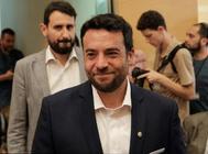 El nuevo alcalde de Badalona, Álex Pastor, antes de votarse la moción de censura