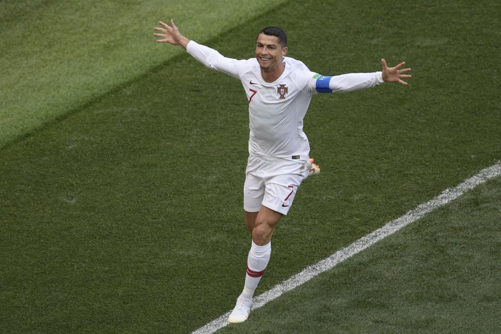 Anota su cuarto gol en el Mundial, nada más iniciarse