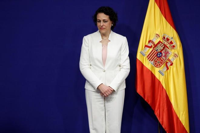 La ministra de Empleo, Magdalena Valerio, asiste ayer a la toma de posesión de los nuevos altos cargos del ministerio.