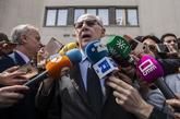 Rodrigo Rato sale de los juzgados de Plaza de Castilla el pasado abril...