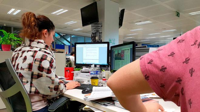 Resultado de imagen de las mujeres tienen frio en trabajo