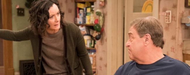 Los actores John Goodman y Laurie Metcalf, en 'Roseanne'.