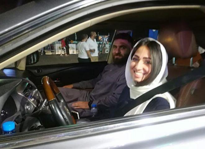 Las mujeres saudíes, por fin hoy al volanteDesde la medianoche