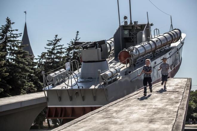 Fútbol y geopolítica se mezclan en el enclave ruso más