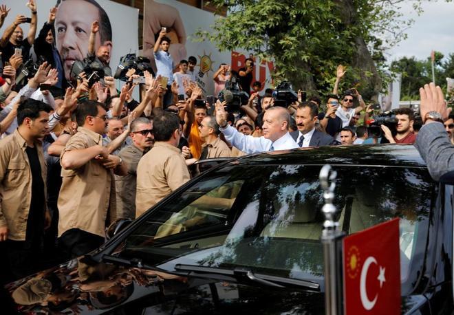 Recep Tayyip Erdogan podrá ejercer un amplio poder ejecutivo, pero