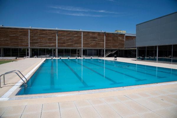 La renovada piscina provincial de castell n reabre el 2 de for Piscinas castellon