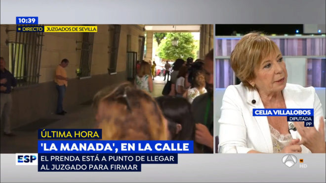 La diputada del PP Celia Villalobos, durante la tertulia de Espejo...