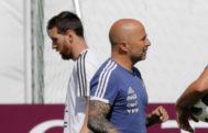 Messi y Sampaoli, durante el entrenamiento del lunes de la selección argentina.