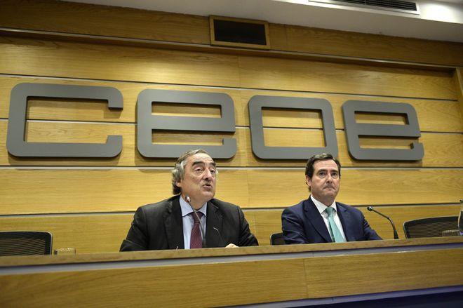 El presidente de CEOE, Juan Rosell, y el presidente de Cepyme, Antonio Garamendi