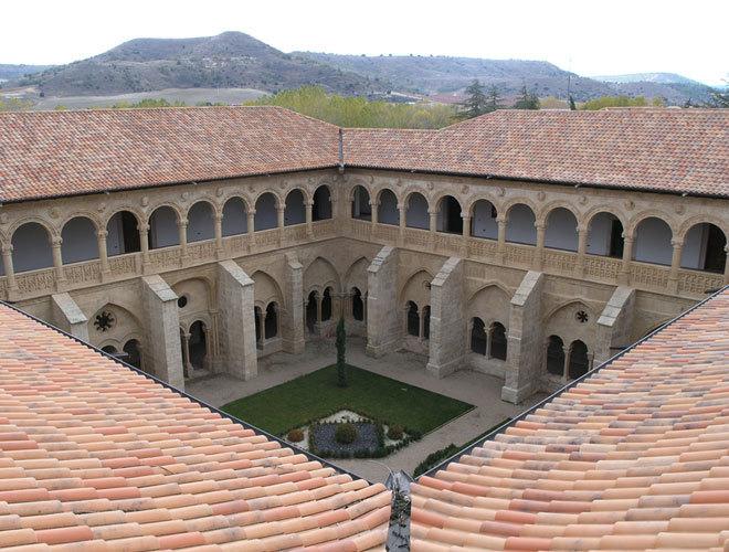 Exterior del monasterio, sede de la fundación Las Edades del Hombre.