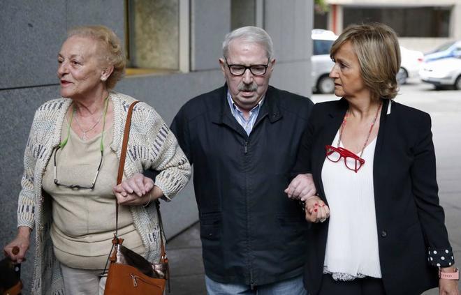 José Ángel Fernández Villa, a su llegada esta mañana a la Audiencia Provincial de Oviedo.