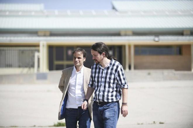 Pablo iglesias, líder de Podemos, visita a Jordi Cuixart en la...