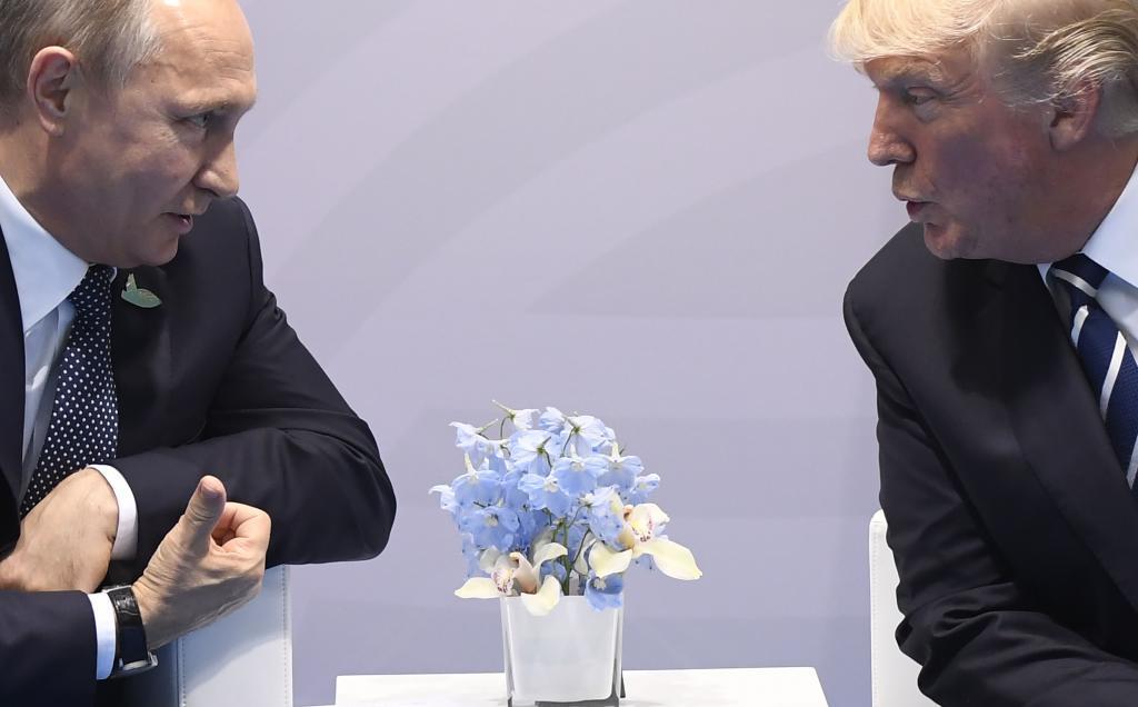 Los presidentes ruso y estadounidense, juntos en la Cumbre del G20 celebrada en julio de 2017 en Hamburgo.