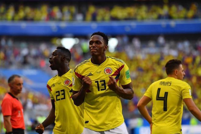 Yerry Mina celebra su gol de cabeza ante Senegal.
