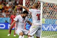 Wahbi Khazri celebra su gol ante Panamá.